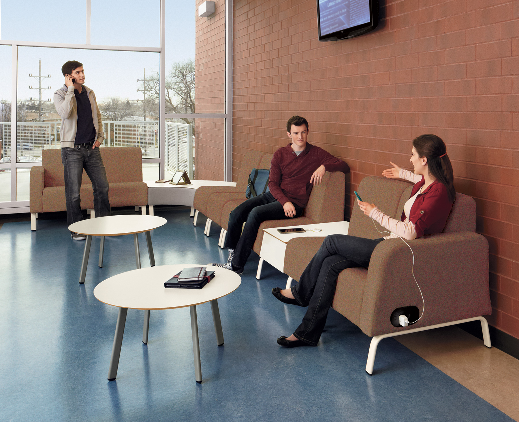 MOTIV™ Powered Lounge Seating