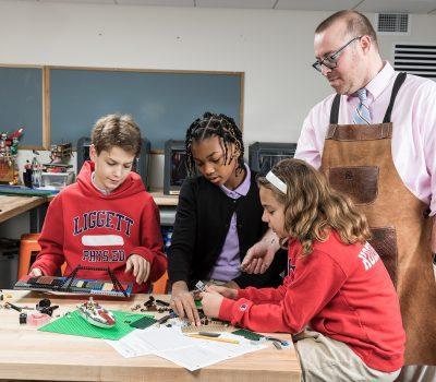 Kids building a project